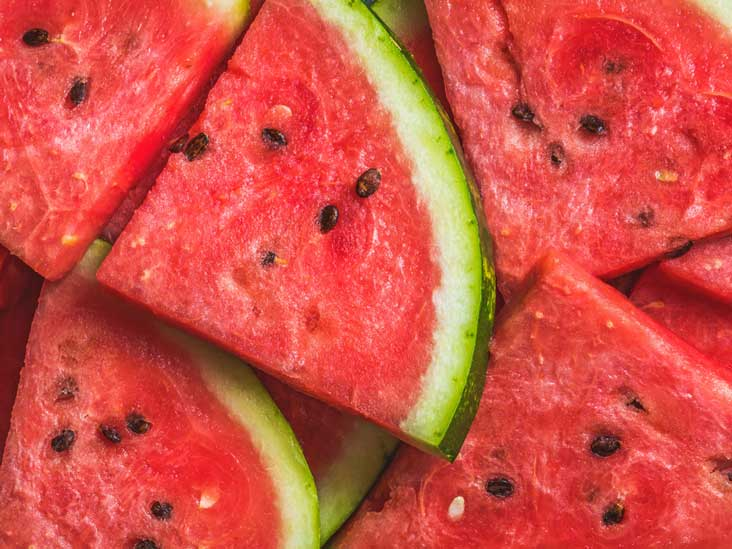 Give Your Skin a Drink of Water with these Skin Hydrating Foods || SkinOwl.com | Watermelon