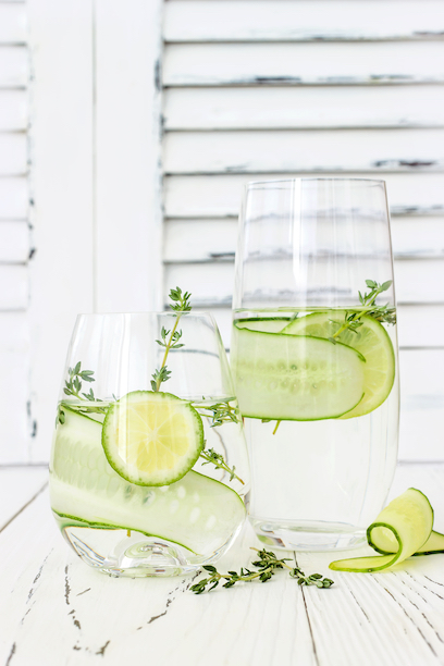 Give Your Skin a Drink of Water with these Skin Hydrating Foods || SkinOwl.com | cucumber citrus detox water