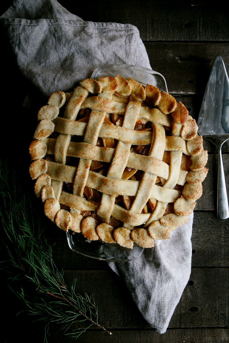 Recipes for a Healthy & Festive Christmas Dinner || Salted Caramel Apple Pie
